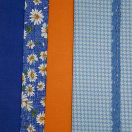 """Набор тканей """"Белые ромашки на синем"""" 4 лоскута и 1 тесьма"""